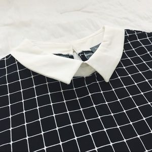 • THE LIMITED • Black + White Printed Collar Shirt